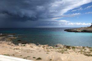 Cala Murada Blick auf das Meer mit Gewitter