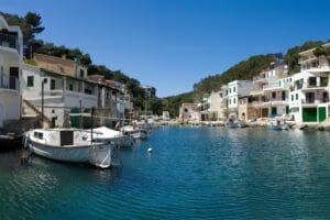 Blick in den Hafen der Cala Figuera auf Mallorca