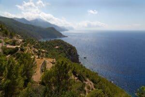 Blick auf die Küste von Estellencs auf Mallorca