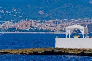 Blick von der Cala Estancia auf Palma