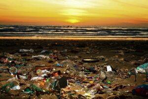 Müll am Strand - Mallorca verbietet Produkte aus Plastik